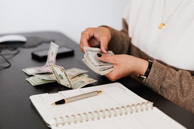 אילו פרמטרים עלולים להשפיע על תקציב הפרסום?